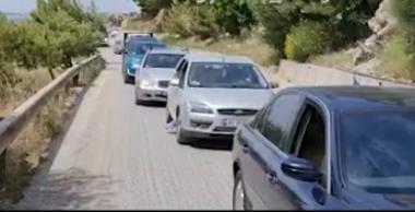 Rradhë kilometrike në Vlorë, automjetet në radhë për orë të tëra