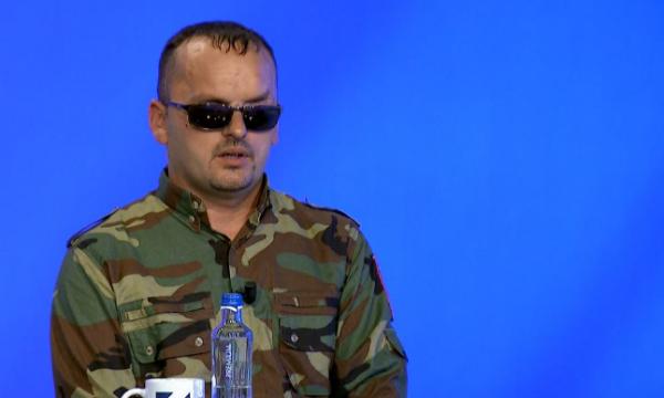 Ish-ushtari UÇK-së rrëfen si humbi shikimin nga mina e serbëve: Ju luta shokëve të më vrisnin!