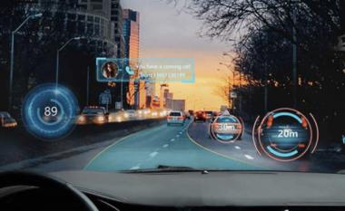 Një xham me realitetin e shtuar për makinat