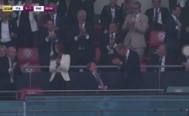 Familja mbretërore nuk përmbahet, shikoni festën e çmendur të Princit me të birin pas golit të Anglisë (VIDEO)