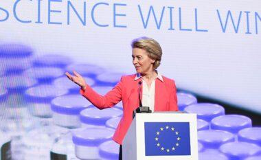 Presidentja e KE: 70% e të rriturve në BE janë vaksinuar me një doze, 57% me të dyja dozat