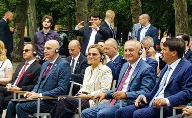 Meta krah Kryemadhit në vendosjen e bustit të Skënderbeut në Budapest