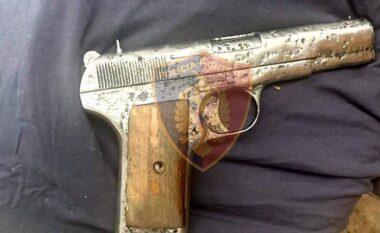 I riu në Korçë nuk zë mend! 22-vjeçarit i gjendet sërish armë pa leje në banesë