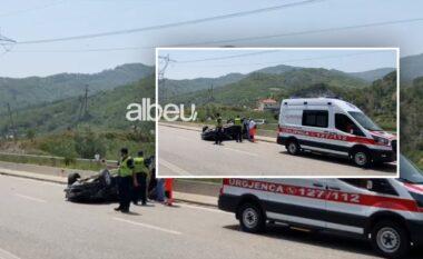 Makina me targa greke përmbyset në rrugë, lëndohen dy vazja