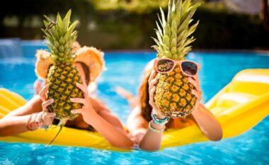 Frutat që do t'ju ndihmojnë të humbni peshë para plazhit