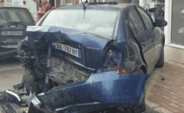 Aksidenti mes 5 automjeteve në Durrës, u shkaktua nga maturanti që kthehej nga festa