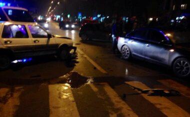 Tjetër aksident nërrugët e Shqipërisë! Makina del nga rruga nëKorçë, njëi plagosur