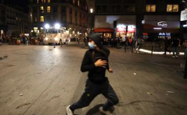 Tifozët e Belgjikës revoltohen pas eliminimit nga Italia, i venë flakën Brukselit (VIDEO)