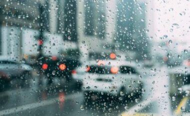 Maqedonia në gjendje alarmi, parashikohen reshje të rrëmbyeshme të shiut