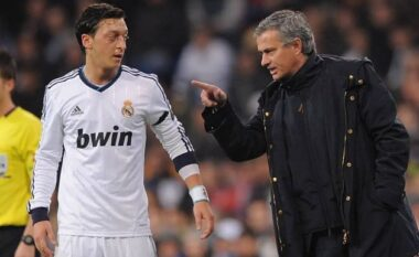 Murinjo tronditi keq Mesut Ozil: Vajza që ke rënë në dashuri ka shkuar në shtrat me gjithë ekipin e Milanit dhe Interit