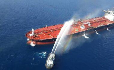 Izraeli akuzon Iranin për sulmin vdekjeprurës të cisternave të naftës
