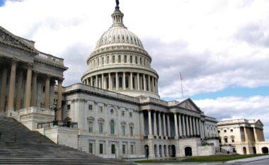 Thellohen përçarjet politike në prag të fillimit të hetimit për sulmin ndaj Kapitolit