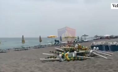 Zaptoi plazhin e Velipojës, biznesmenia 50-vjeçare përfundon në polici