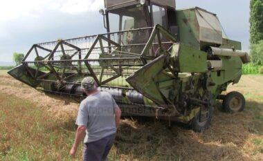 Rrëzohet autokombajna në Prrenjas, transportohet në Spitalin e Traumës drejtuesi