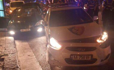 EMRI/ Si nëpër filma, i riu nga Tirana përplas efektivin dhe dy makina policie në tentativë për t'ju ikur