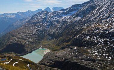 Shkrin Akullnajat në Alpet Zvicerane, krijohen 1.000 liqene