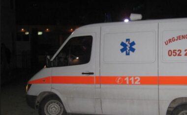 """Aksident në """"Lungomaren"""" e Vlorës, Benzi përplas motorin duke plagosur drejtuesin e këtij të fundit"""