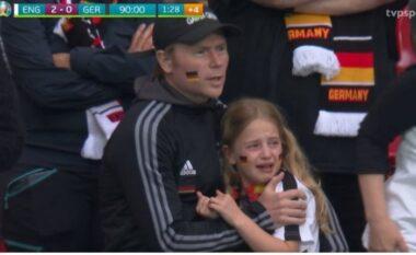 """""""Ju mundim dhe nuk ju lëmë të qani"""", nisma e anglezëve për vajzën e trishtuar në humbjen e Gjermanisë"""