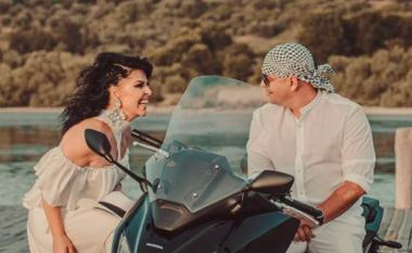 """""""Kësaj here u dorëzua"""", për herë të parë Aurela Gaçe sjell këngë me bashkëshortin"""