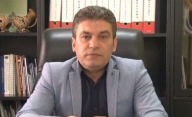 U arrestua në zyrë, momenti kur kryebashkiaku Tushe mbërrin në komisariatin e Tiranës (FOTO LAJM)