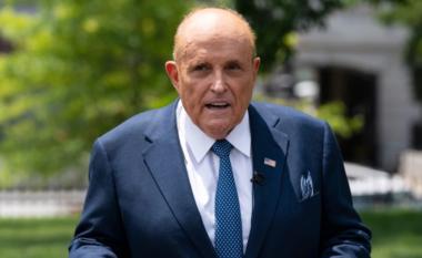 Gënjeu në zgjedhjet presidenciale, avokatit Rudy Giulianit i pezullohet licenca