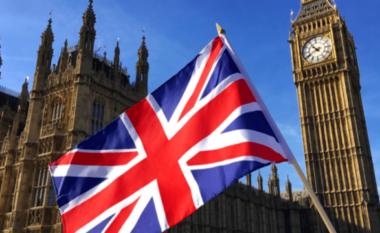Zbardhet dokumenti i marrëveshjes me Anglinë për dëbimin e emigrantëve pa letra dhe kriminelëve (FOTO LAJM)