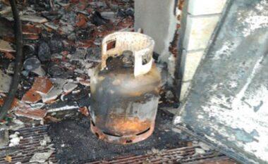 Zjarr në një banesë në Elbasan pas shpërthimit të bombolës së gazit