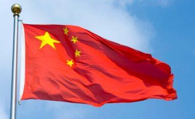Kina ndëshkon me 18 vjet burgim një miliarder dhe kritik qeveritar