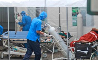 Vdekjet dhe rastet me COVID-19 përsëri në rritje në shkallë globale