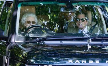 Mbretëresha Elisabeth nuk pyet për moshën, 95-vjeçarja fotografohet duke drejtuar makinën luksoze (FOTO LAJM)