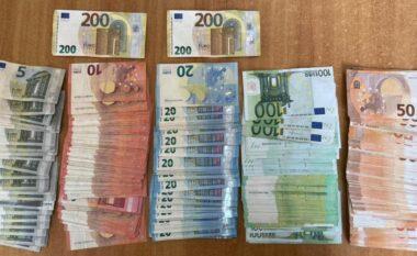 Po udhëtonte drejt Dubait, kapet në Rinas 37 vjeçari me mijëra euro të padeklaruara