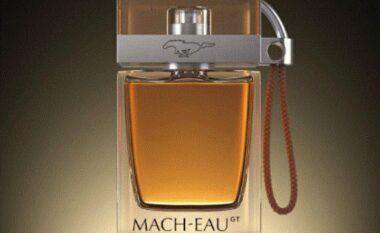 Fordi krijon parfumin me aromë të benzinës