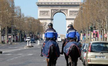 Qytetarët protestojnë, Franca miraton rregullat e rrepta ndaj Covid-19 ku përfshihet edhe vaksinimi i detyrueshëm