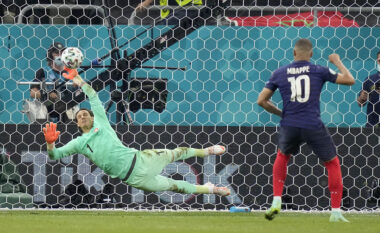 Mblidhen 240 mijë firma: Kërkohet përsëritja e ndeshjes Francë-Zvicër