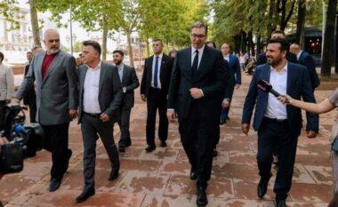 Rama, Zaev e Vuçiç shetisin në qendër të Shkupit, Kurti e bojkoton (VIDEO)