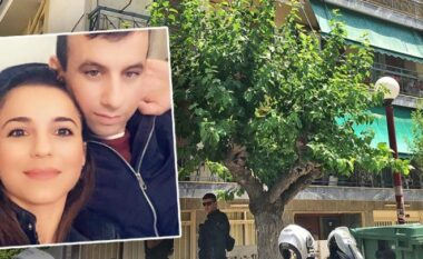 Albeu: Me jelek anti-pumb dhe kokë ulur, del para gjykatës shqiptari që vrau gruan në Greqi