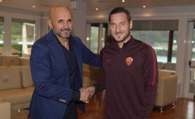 Spalletti prezantohet te Napoli dhe thumbon keq Francesco Tottin për filmin autobiografik (FOTO LAJM)