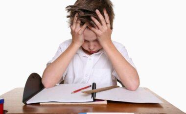 Si të kultivoni mendimin kritik te fëmija juaj?