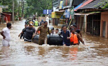 Edhe India goditet rëndë nga përmbytjet, shkon në 136 numri i viktimave