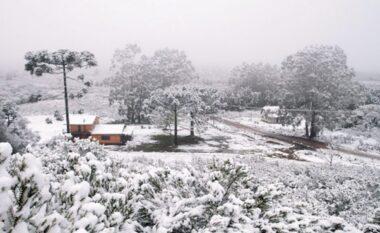 """Shumë vende të botës po """"digjen"""" nga i nxehti, në Brazil bie borë"""