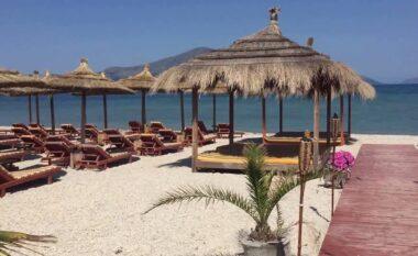 E FUNDIT/ Gjendet i vdekur në shezlong një turist në Vlorë