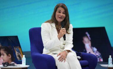 Melinda del për herë të parë publikisht pas ndarjes nga Bill Gates, detaji që i mori vëmendjen