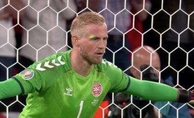 I vuri laserin në fytyrë Schmeichel gjatë penalltisë, kërkohet përjashtim i përjetshëm për tifozin anglez (VIDEO)