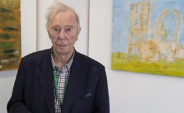 Pensionisti bëhet i diplomuari më i moshuar në Britani, mbaron universitetin në moshën 96 vjeçare