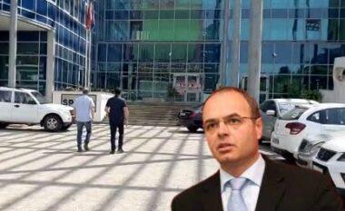 """""""Duart e krimit mbi financat publike të Fierit"""", Petro Koçi mbërrin në SPAK"""