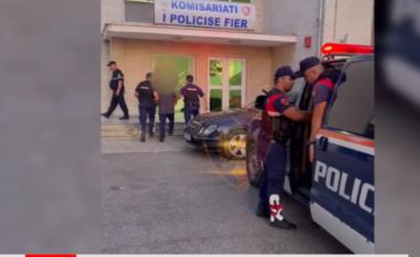 U kapën me droge dhe fidanë kanabisi, arrestohen babë e bir në Fier (VIDEO)