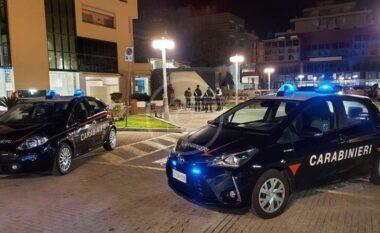 Ndodhi edhe kjo! Shqiptarët bëhen bashkë me serbin e grabisin turistët në Itali