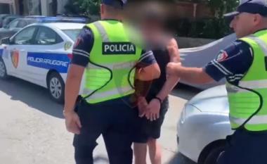 Po xhironin klip me mjete luksoze në mes të rrugës, policia shoqëron 5 persona në komisariat (VIDEO)