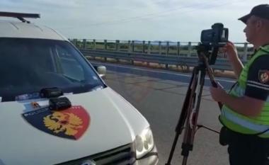 """Rrugorja me """"dorë të hekurt"""": Arrestohen 9 shoferë e ndëshkohen me mijëra të tjerë (VIDEO)"""