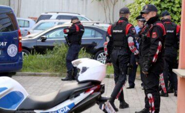 Sherr masiv nëTiranë! Shqiponjat blindojnëShkozën, 3 makina policie plot drejt komisariatit